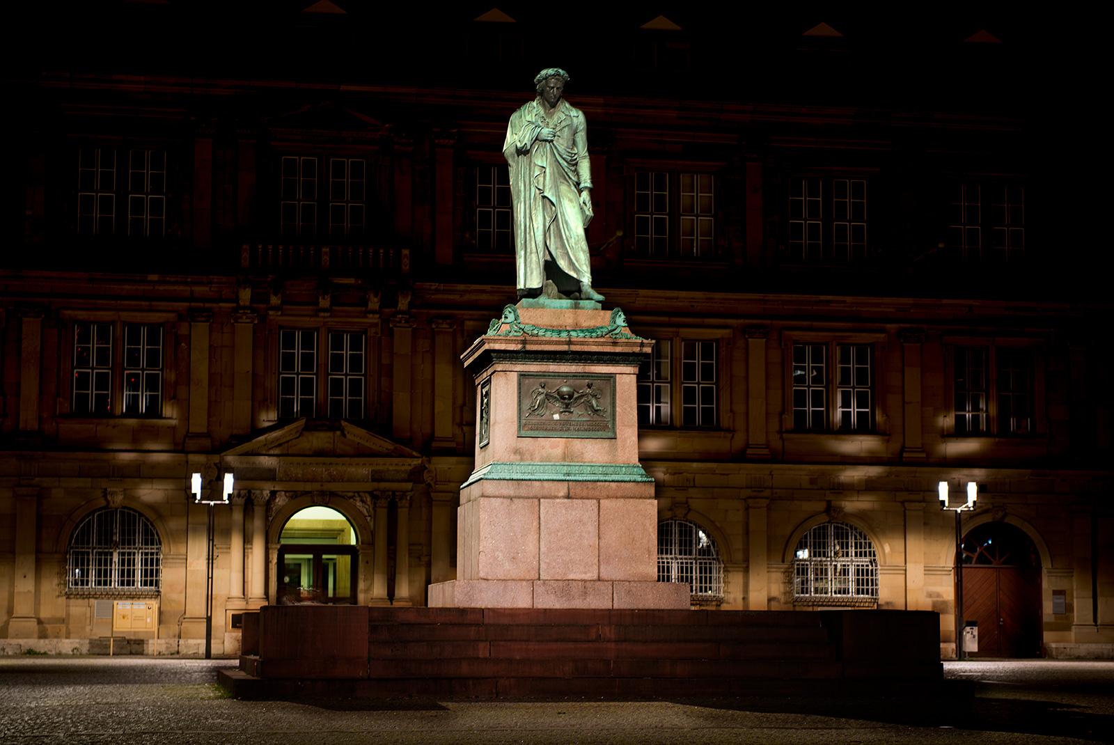 Stuttgart, Schillerplatz